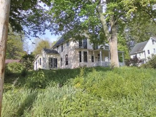 Chautauqua cottage may 2018